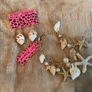 Betsy Johnson seashell set. Bracelet & earringsNWT
